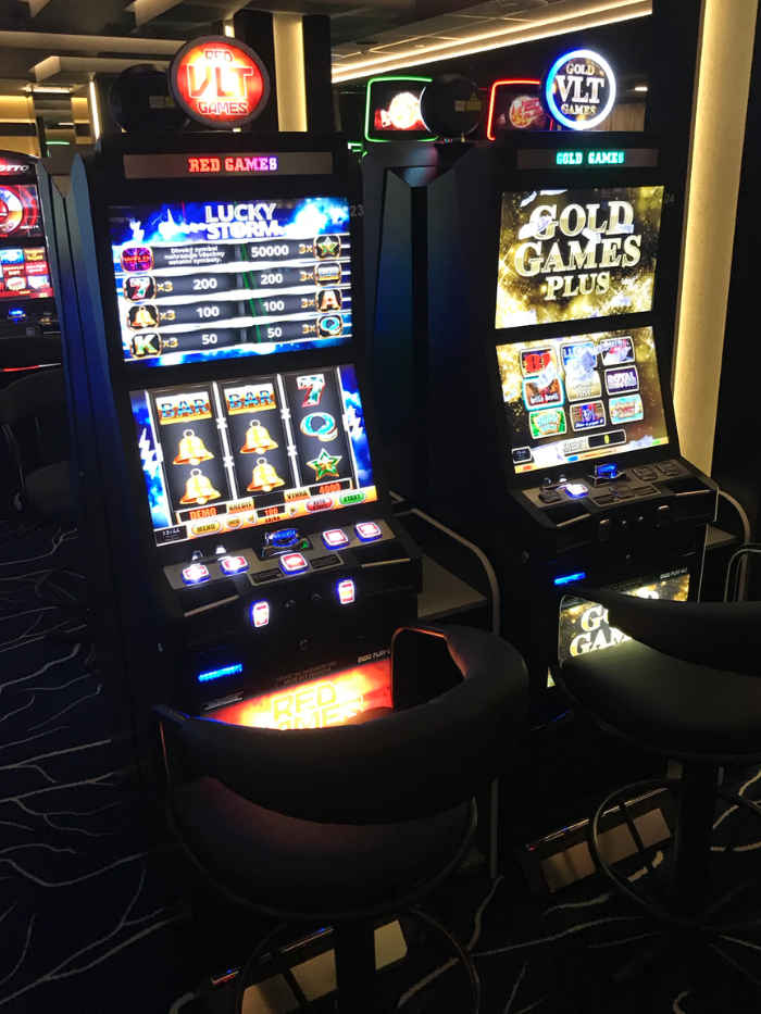 red-gold-vlt-games